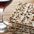 Wine and matzoh — Stock Photo #1435611