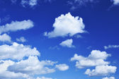 Deep blue sky and lots small clouds — Stock Photo