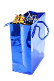 Bolsa con regalos de lotes dentro de — Foto de Stock