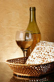 Still-life with wine and matzoh — Stock Photo