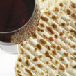 Wine and matzoh — 图库照片