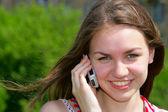 女孩的手机 — 图库照片