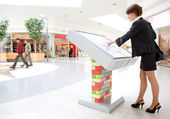 Young business woman select goods — Foto Stock