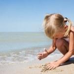 Beauty child at sea — Stock Photo