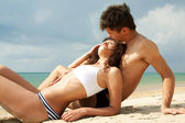Attractive young couple relaxing — Stockfoto