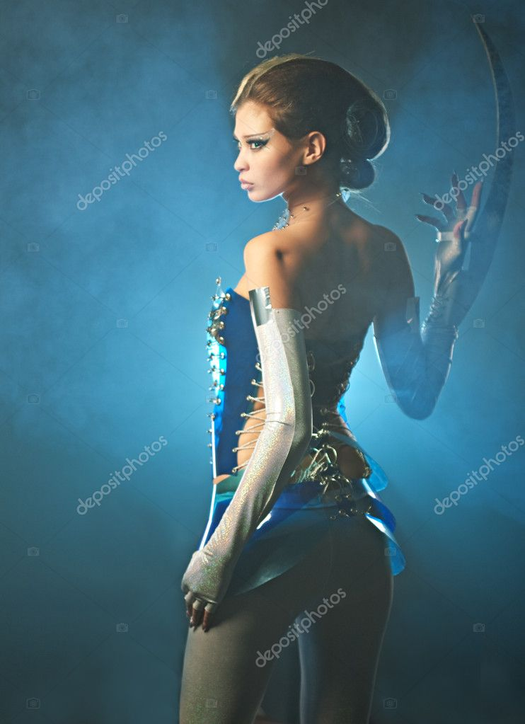 Beauty alien woman in futuristic dress — Stock Photo #2284815