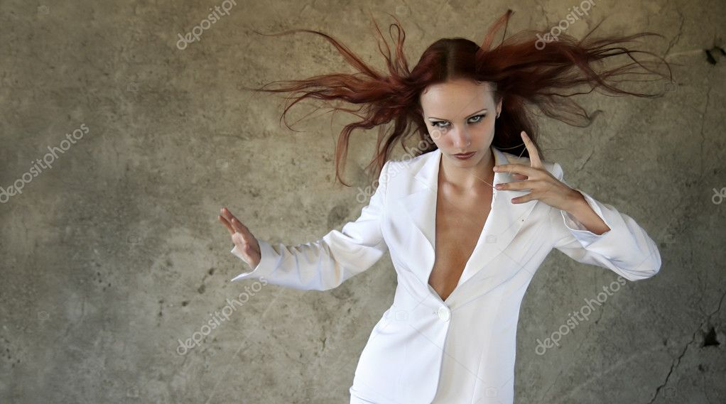 Dynamical beautiful girl — Stock Photo #1562802