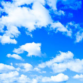 White clouds in the sky — Stockfoto