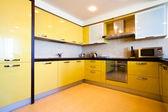 Wnętrza kuchnia żółty — Zdjęcie stockowe