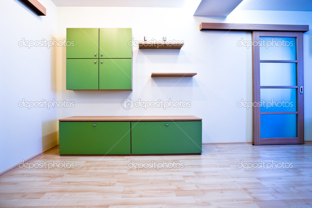 Emty hall with doors and green bookcases — Stockfoto #1289335