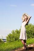 Leende flicka i hatt — Stockfoto