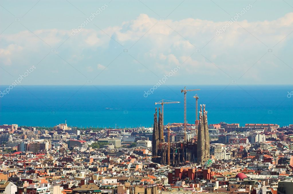 Panorama from Barcelona City from Park Guell by Gaudi, Spain — Zdjęcie stockowe #1328096