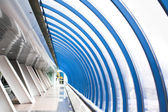 Corredor de vidro azul — Fotografia Stock