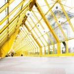Empty yellow corridor — Stock Photo