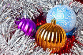 White tinsel and christmas balls — 图库照片