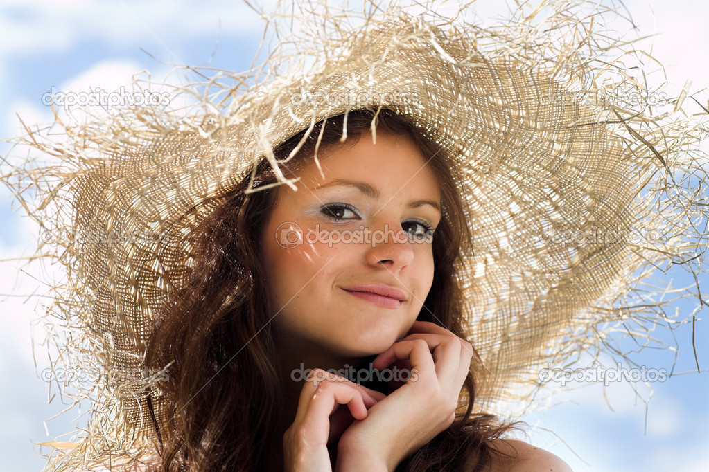 Smiling girl in hat portrait — Stock Photo #1380491