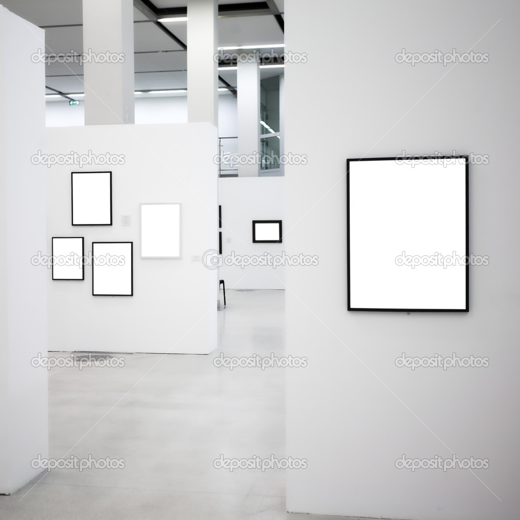 Exhibition in museum with many empty frames on white walls, square composition — Stock Photo #1381621