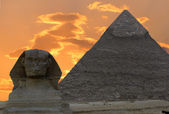 сфинкс и великая пирамида, египет — Стоковое фото
