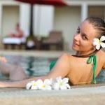 fille dans la piscine — Photo #1825943