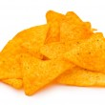 mucchio di chip isolato su bianco — Foto Stock