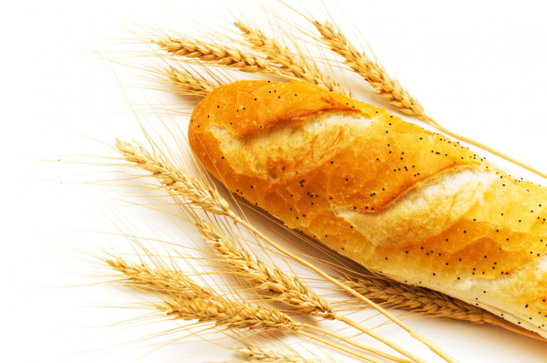 Bread and wheat ears isolated — Stock Photo #2603166