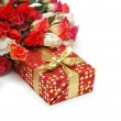 Roses and gift box isolated on white — Stock Photo