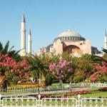 Four minaret mosque in Istanbul — Stock Photo #2659594