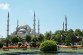 Big mosque in Istanbul in summer day — Stock Photo