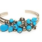 Bracelet with blue stones isolated — Stock Photo #2679972