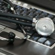 Stethoscope and laptop — Stock Photo #2682931