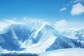 Alte montagne sotto la neve — Foto Stock