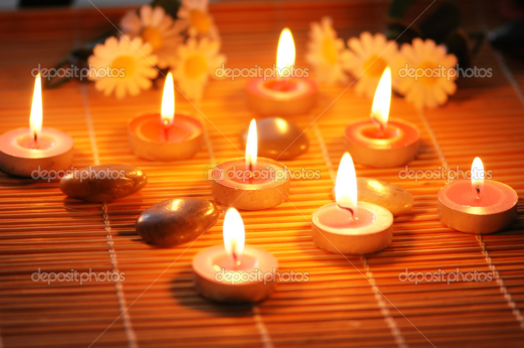 Candles rose pe