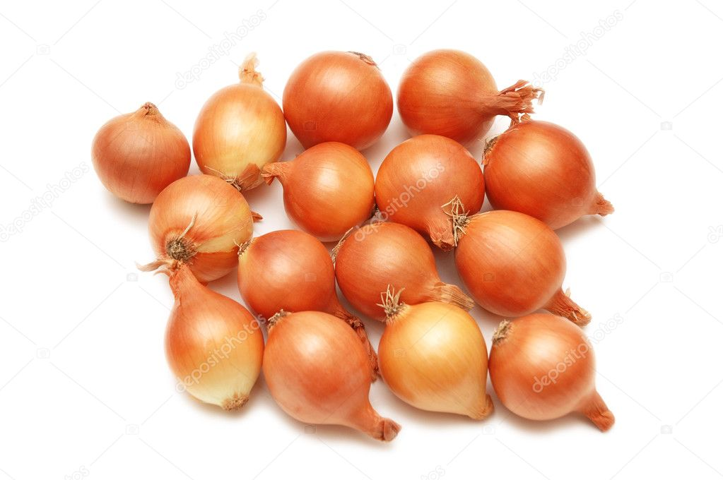 Lots of onions isolated  on white background — Photo #2687129