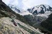 Punkt bezpieczeństwa w górach — Zdjęcie stockowe