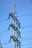 Elektryczne przewody wysokiego napięcia — Zdjęcie stockowe