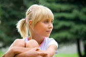 Portrait little girl in summer — Stock Photo