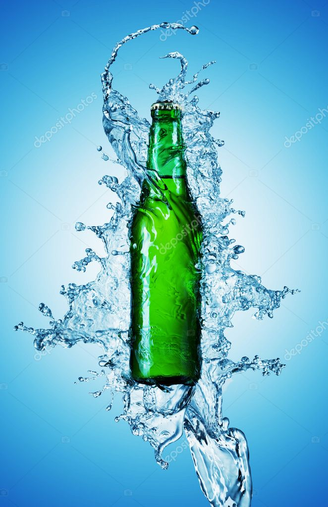 Beer bottle being poured in a water on blue — Stock Photo #1337078