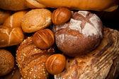 Variedade de pão cozido — Foto Stock