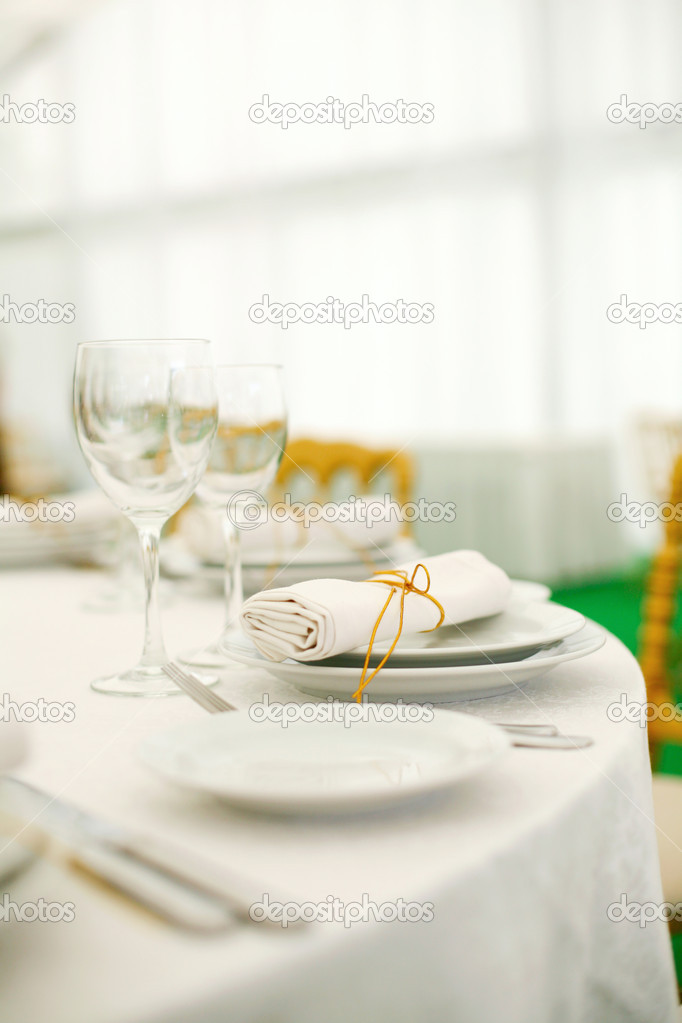 Place settings at a banquet — Stock Photo #1189046