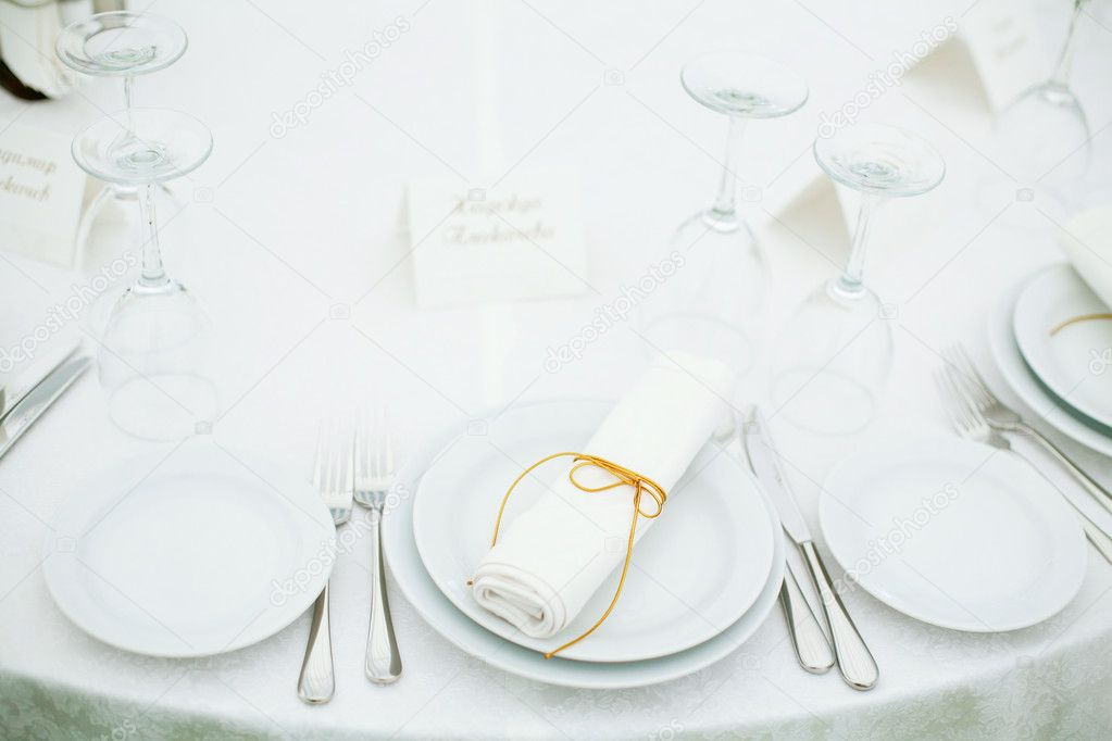 Elegant tables set up for a wedding banquet — Stock Photo #1236273