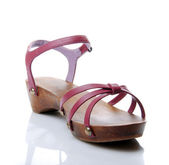 Pink sandal — Stock Photo