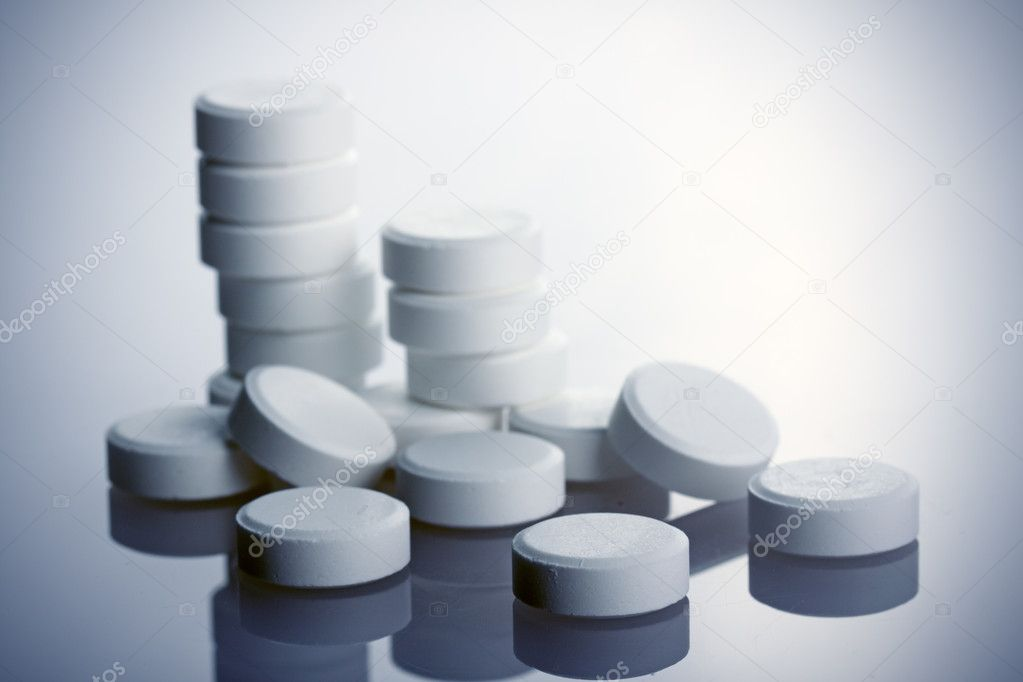 White pills  Stock Photo #1223613