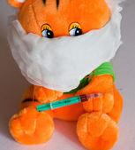 Miś zabawka z wtryskiwacza — Zdjęcie stockowe