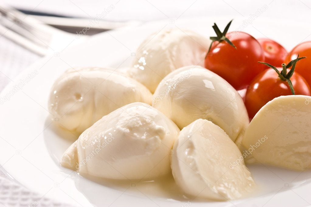 Food series: mozzarella (soft cheese) and tomato — Stock Photo #1282276
