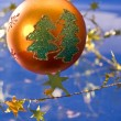 Golden christmas ball — Stok fotoğraf #1367563