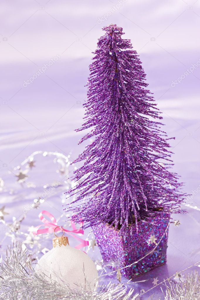 Holiday series: new year decoration and ball — Stock Photo #1366650
