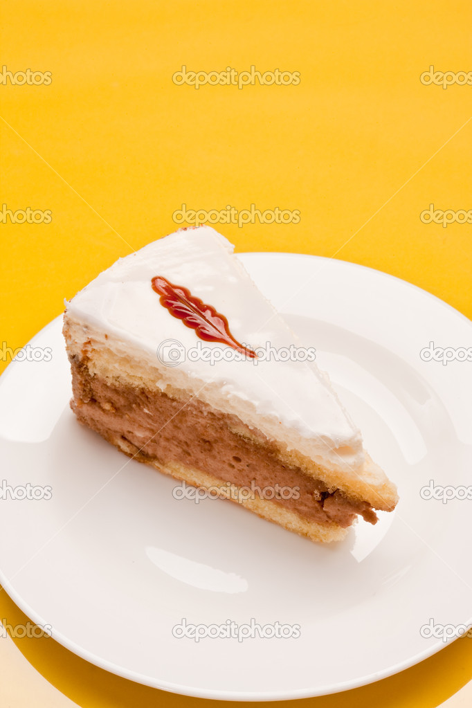 Food serie: sweet fancy cake with cream and jam — Stock Photo #1390868