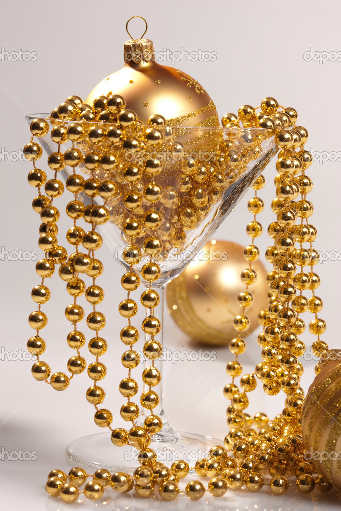 Holiday series: christmas golden balls and garland — Stock Photo #1392011