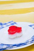Torta fantasia con cereza — Foto de Stock