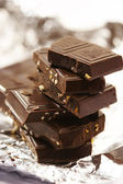 Laje de chocolate com nozes — Foto Stock
